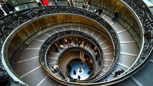 Vaticanul face profit în plină criză