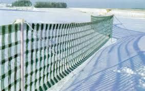 Parazăpezile şi plasele împotriva zăpezii, în întârziere