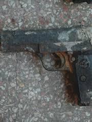 S-a întâmplat în buricul târgului: Pistol, pescuit din fântână