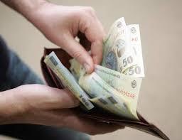 Sute de botoşăneni îşi plătesc singuri contribuţiile pentru a beneficia de pensie