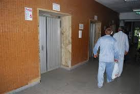 În week-end spitalul va funcţiona cu un singur lift