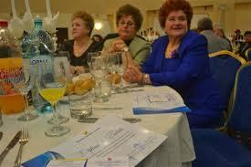 Sute de pensionari la Revelionul de aseară