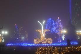 Se face montarea ornamentelor luminoase în municipiu