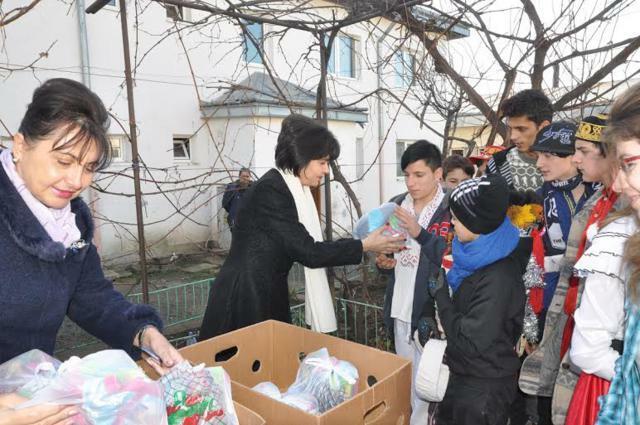 Cadouri pentru copiii din Trusesti
