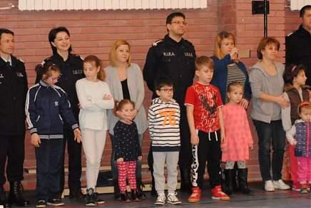 """""""Ştafeta Prieteniei""""- Pompierii şi jandarmii, alături de copiii cu sindromul Down"""