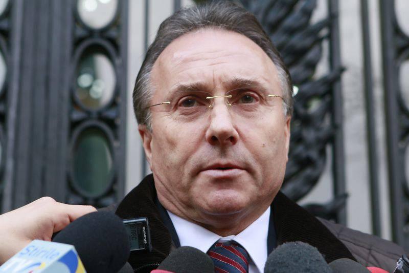 """Primarul care și-a înnebunit amanta revine în politică un pic """"altfel"""" și vrea în Parlament"""