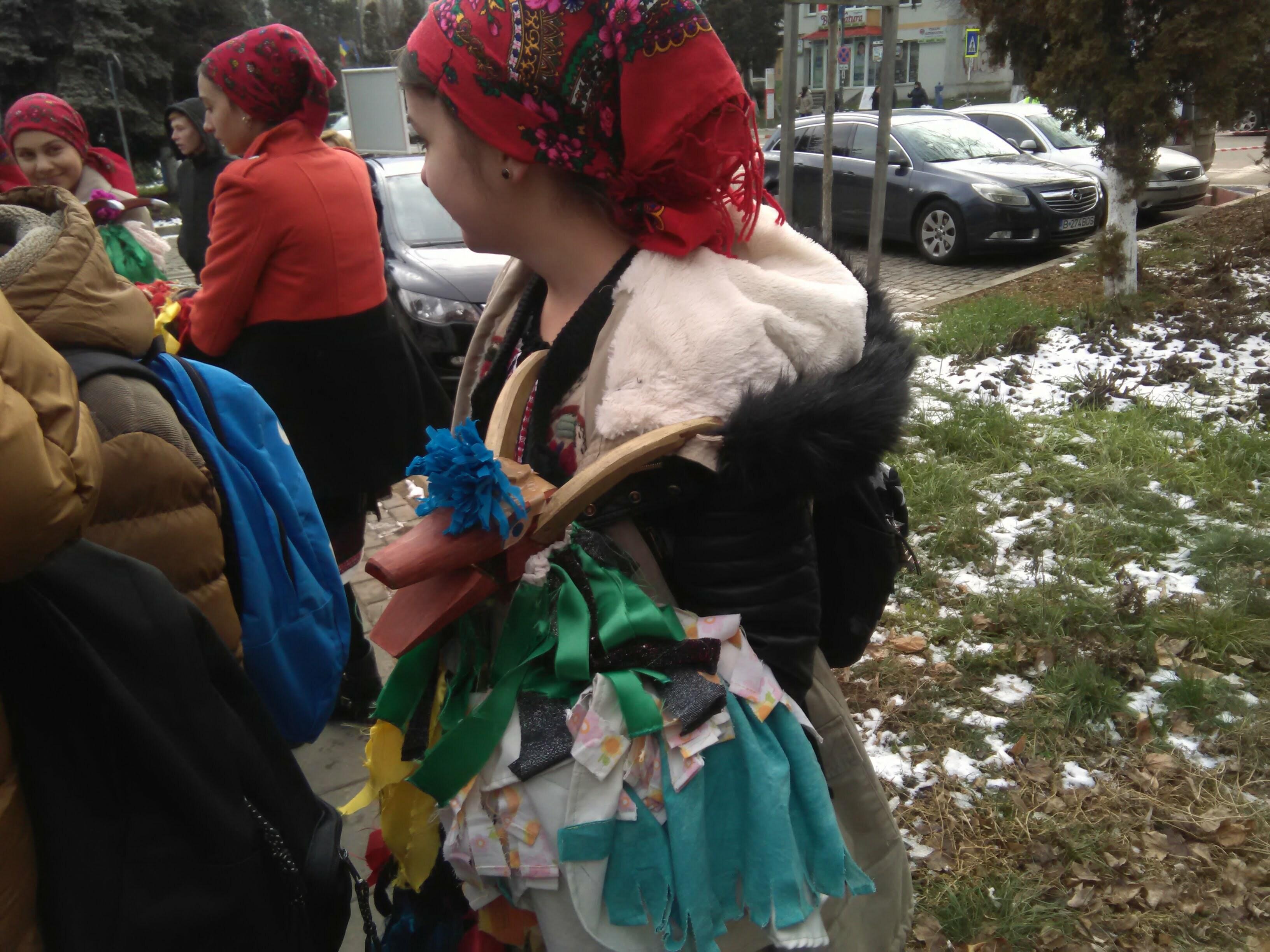 """Botoșani,17-18 decembrie, cea de-a 42-a ediție a Festivalului de datini și obiceiuri de iarnă """"Din străbuni, din oameni buni"""" – GALERIE FOTO"""