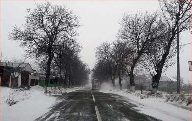 Patru drumuri judeţene deschise circulaţiei rutiere