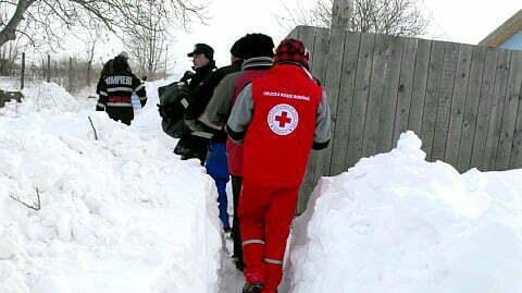 Pompierii botosaneni trimisi sa intervina in judetele afectate de viscol si de ninsorile abundente