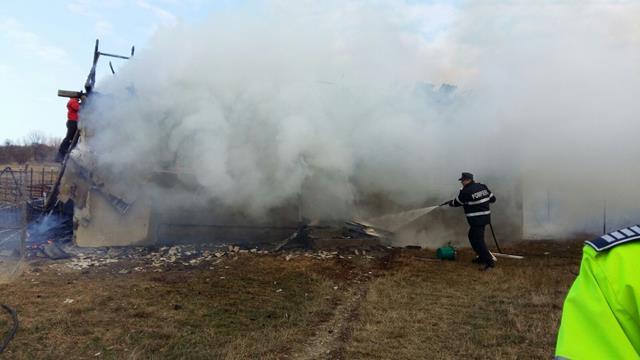 Zece incendii în 24 zile