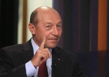 Băsescu: Este atmosferă de război hibrid