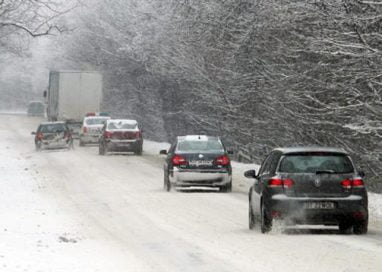 Se circula in conditii de iarna pe toate drumurile din judet             – Video