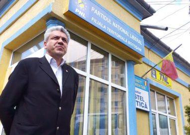 POLITICASi Cristian Achiţei şi-a depus candidatura pentru conducerea PNL Botoşani