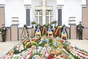 EVENIMENTZiua Eroilor marcată in Cimitirul Pacea   -GALERIE FOTO