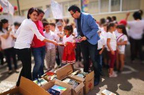EVENIMENTDonație de cărți pentru elevii de la școala Trușești