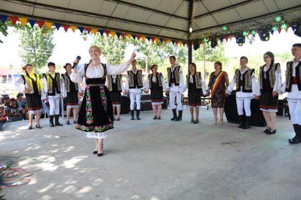 EVENIMENTSărbătoare, sâmbătă, în comuna Călăraşi   -GALERIE FOTO/ VIDEO
