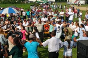 EVENIMENTDans si voie buna la Ziua Comunei Corni   –   FOTO/VIDEO