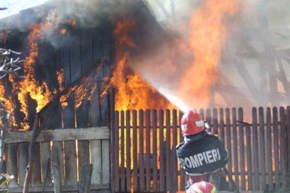 EVENIMENTUn incendiu care a cuprins o locuinta, a curmat viata unui barbat de 58 de ani