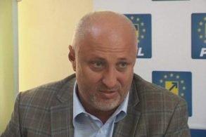 """POLITICASenatorul PNL Costel Şoptică: """"Judeţul Botoşani, fruntaş pe ţară la rata abandonului şcolar"""""""