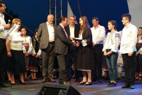 EVENIMENTElevii eminenți din Flămânzi au fost premiați la Zilele Orașului  -FOTO