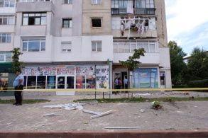 EVENIMENTExpolzie la un bloc de locuinte de pe strada Primăverii. Locuitorii evacuati de urgenta  -Galerie Foto