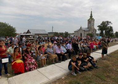 EVENIMENTTrei zile de evenimente culturale în comuna Baluseni