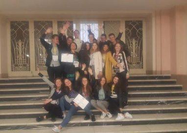 EVENIMENTTrupa Katharsis a Colegiului Laurian a urcat pe podium într-un festival internaţional de teatru