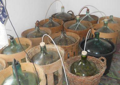 ATENTIE !!!Vinul pus la fermentat poate ucide!