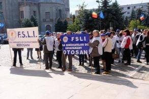 EVENIMENTZiua Educaţiei marcată cu proteste la Botoșani    -VIDEO/GALERIE FOTO