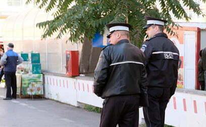 EVENIMENTFugit din casa de copii, depistat de polițiștii locali într-o casă părăsită