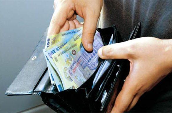 SOCIALGuvernul vrea să crească salariul minim brut pe economie la 1.900 de lei