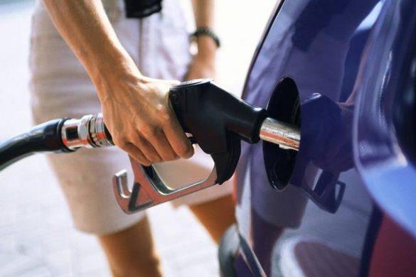 ECONOMIEMajorarea accizei la carburanţi rămâne în vigoare în forma adoptată de Guvern
