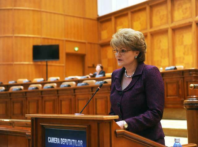 POLITICALegea parlamentarului Huncă pentru motivarea financiară a elevilor olimpici și a profesorilor care i-au pregătit a primit votul final de adoptare în Senat