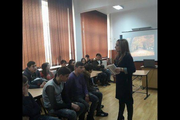 """EDUCATIEArtiştii de la """"""""Ştefan Luchian"""" au ajutat, s-au mobilizat şi au comunicat despre """"Noi"""""""