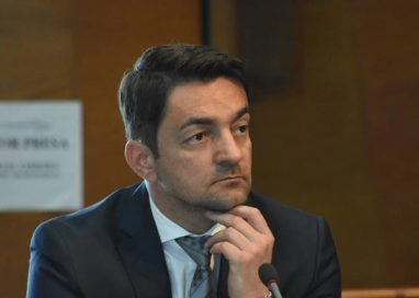 """POLITICARotaru: """"PSD-ALDE se ocupă de creșterea veniturilor și reducerea poverii fiscale a românilor, în timp ce PNL și USR pun pe hârtie discursuri în care jignesc și denigrează"""""""