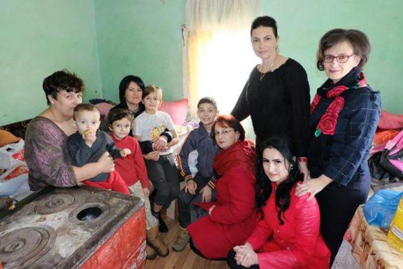 EVENIMENTCadouri pentru 21 de copii din partea femeilor din PSD Botoșani