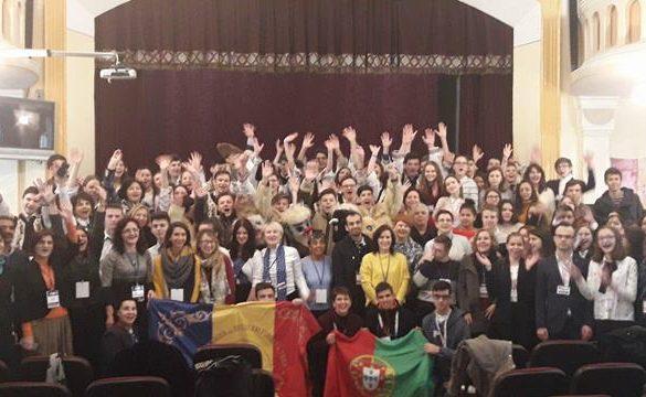 """EDUCATIEProfesori şi elevi din şapte şcoli se întâlnesc in aceste zile la Colegiul Național """"A.T. Laurian"""""""