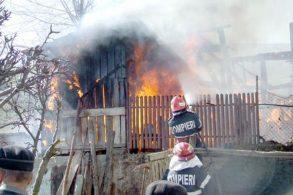 EVENIMENTBărbat de 81 de ani decedat într-un incendiu produs noaptea trecută