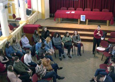 EVENIMENTCuraj şi sinceritate într-o dezbatere despre disabilităţi la Laurian