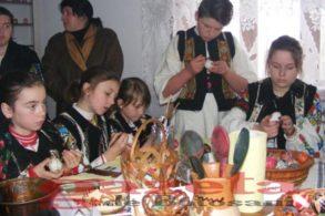 EVENIMENTÎn acest weekend se desfășoară Festivalul – Concurs de Ouă Încondeiate, ediția a V-a