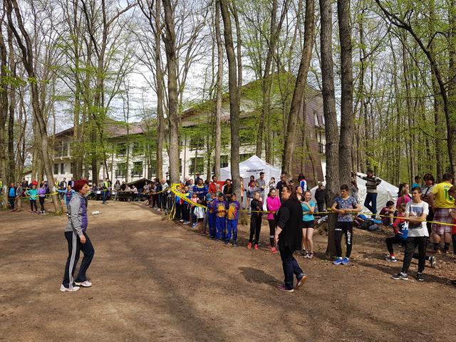 SPORTPeste 500 de copii s-au întrecut in cadrul Campionatului National de Cros, competiție sportivă desfășurată în Pădurea Rediu – VIDEO/GALERIE FOTO
