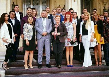 POLITICAPresedintele ALDE Botosani, Liliana Minca, a fost prezenta la Gala premiilor TLDE – GALERIE FOTO